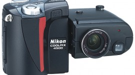 Nikon Coolpix 4500, swivel-body design